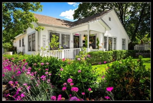 Tiger Lily Inn